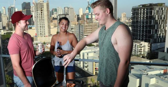 10 balcony BBQ safety tips for tenants